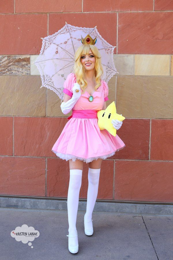 Kristen Lanae - Princess Peach Cosplay - Super Mario Bros.