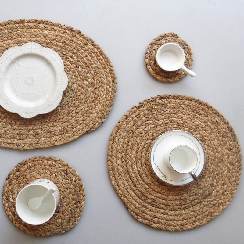 Straw Braided Natural Placemat Kitchen Table Heat Shield In 2020 Natural Placemats Wicker Placemats Rustic Tableware