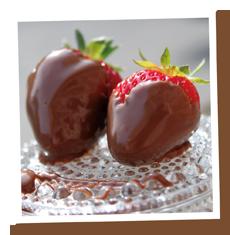 Suklaa dipattuja mansikoita