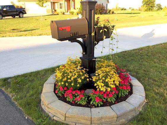 Round Flower Bed Around Mailbox Flowerbed Mailbox Garden Curbappeal Flowers Decorhomeideas Mailbox Landscaping Mailbox Garden Mailbox Decor