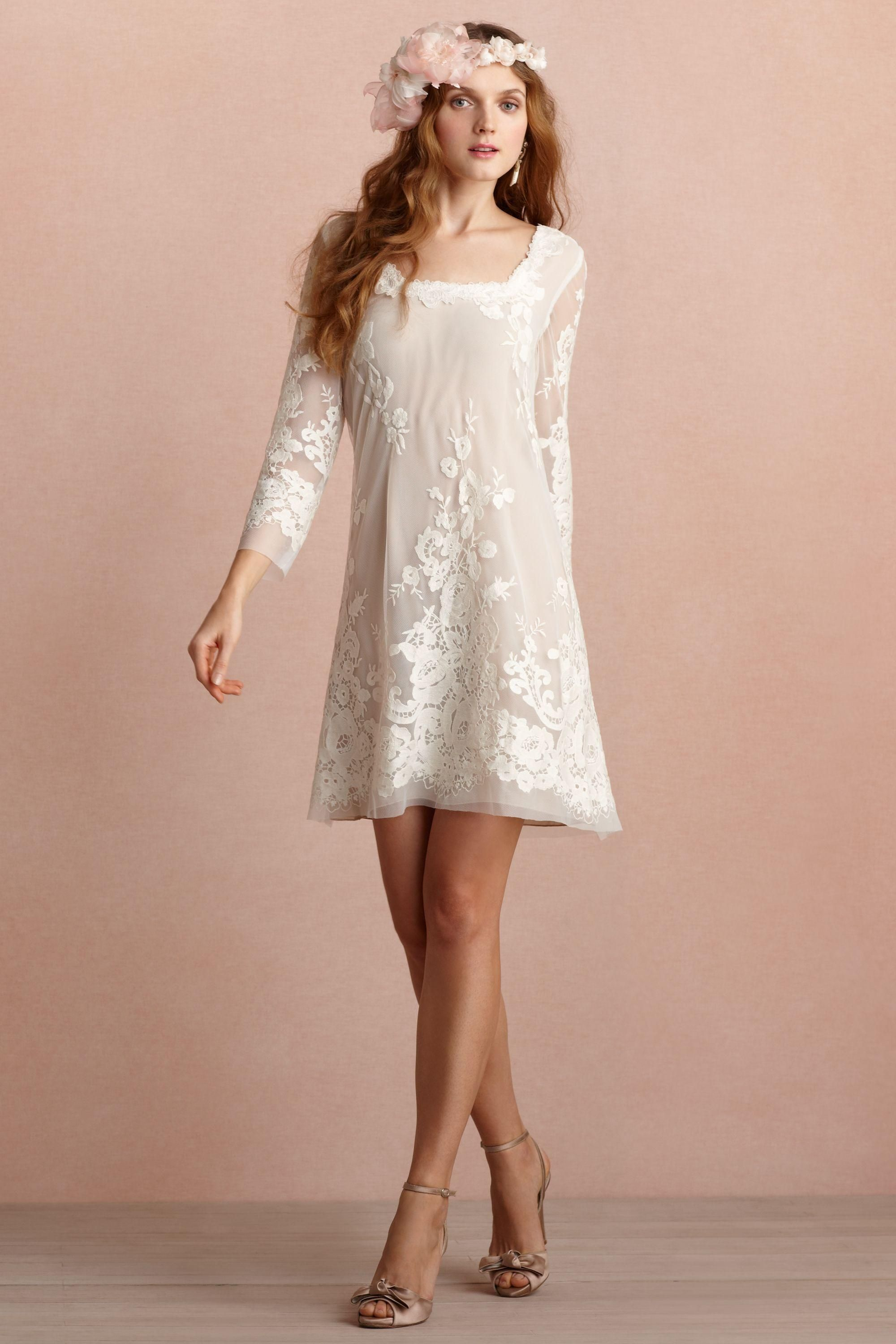 Pin by maca oromí on vestidos pinterest short lace wedding dress