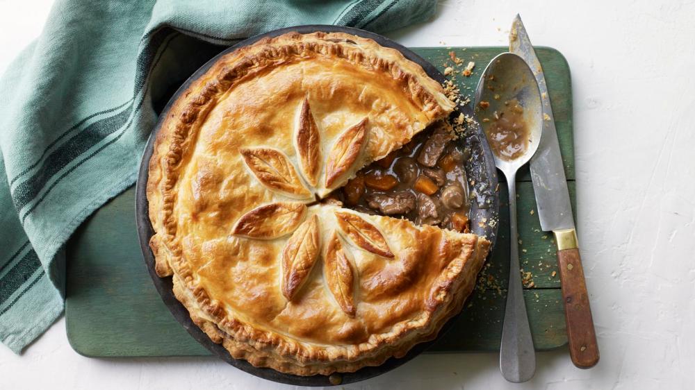 Steak and stout pie | Recipe in 2020 | Steak, stout pie ...