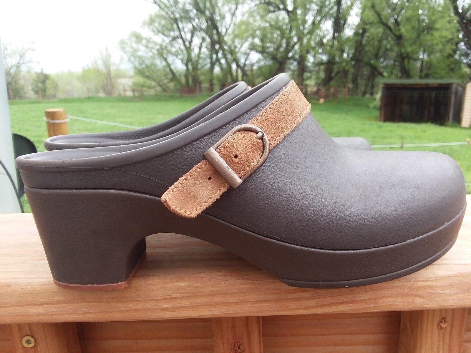 800880ecc4467 Crocs Women's Brown Clogs with 2