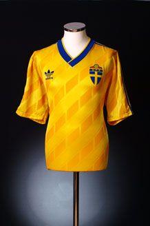 1989-92 Sweden Home Shirt *Mint* XL