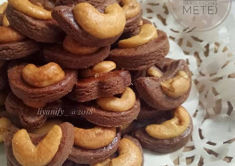 Resep 27 Choco Cashew Cookies Kukis Kacang Mete Oleh Dapoer Ummu4a Liyanify Resep Kacang Mete Resep Masakan Natal Kacang