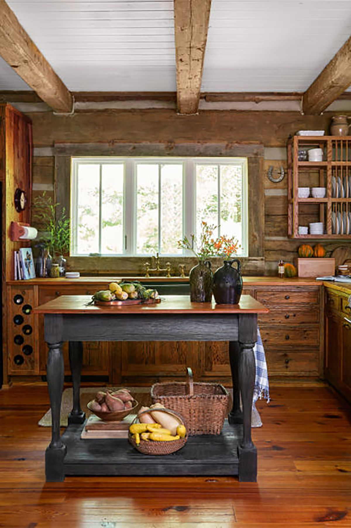 These Rustic Farmhouse Kitchens Will Inspire You To Renovate