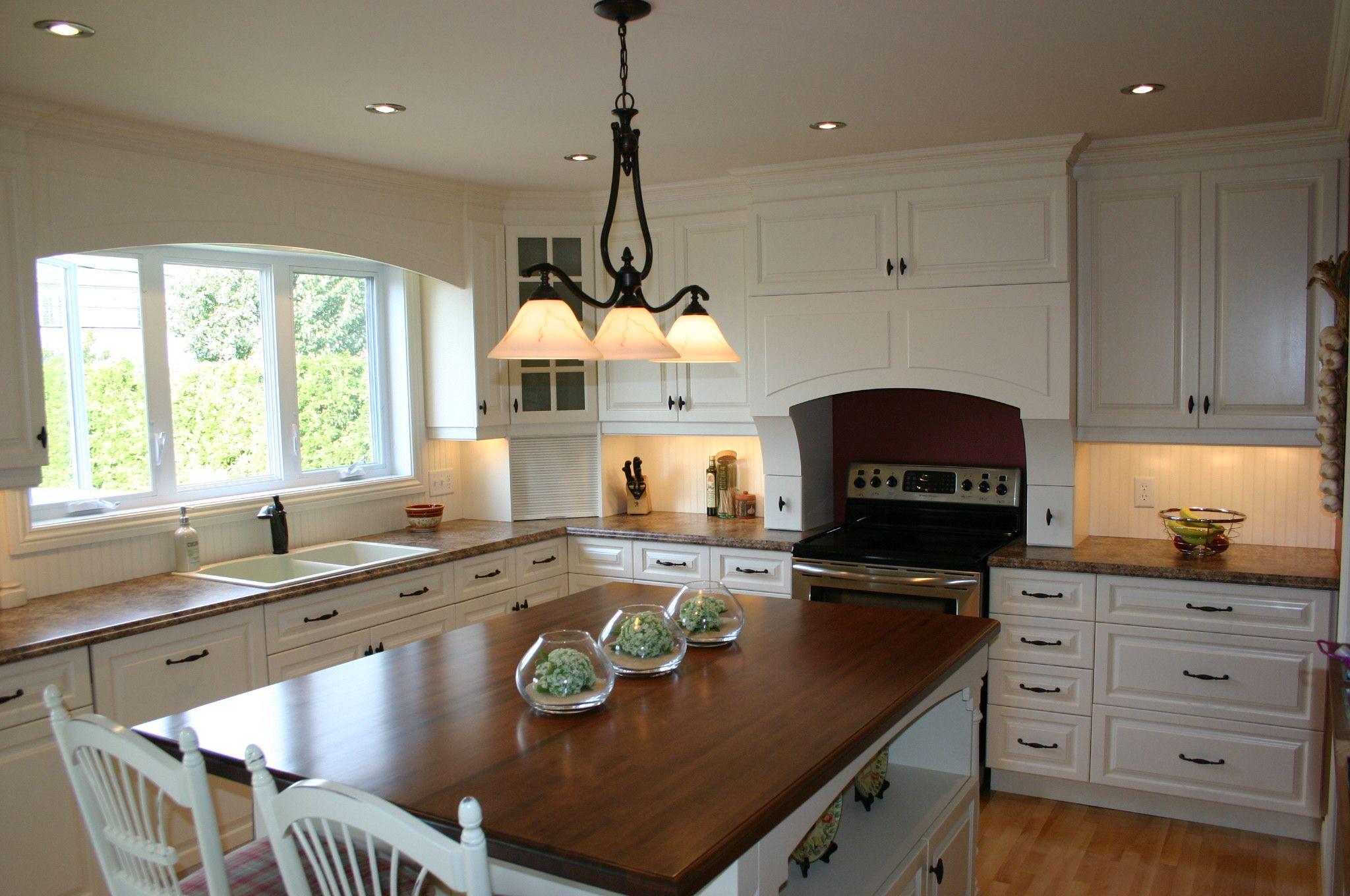 cuisine champ tre en merisier laqu blanc cuisine. Black Bedroom Furniture Sets. Home Design Ideas