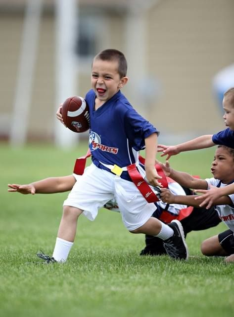 Flag Football Allows Kids To Learn The Fundamentals Of The Game With The Risks Flagfootball I9sports Flag Football Youth Flag Football Tackle Football