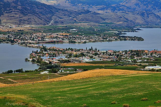 town of osoyoos bc viewed from anarchist mountain lookout. Black Bedroom Furniture Sets. Home Design Ideas