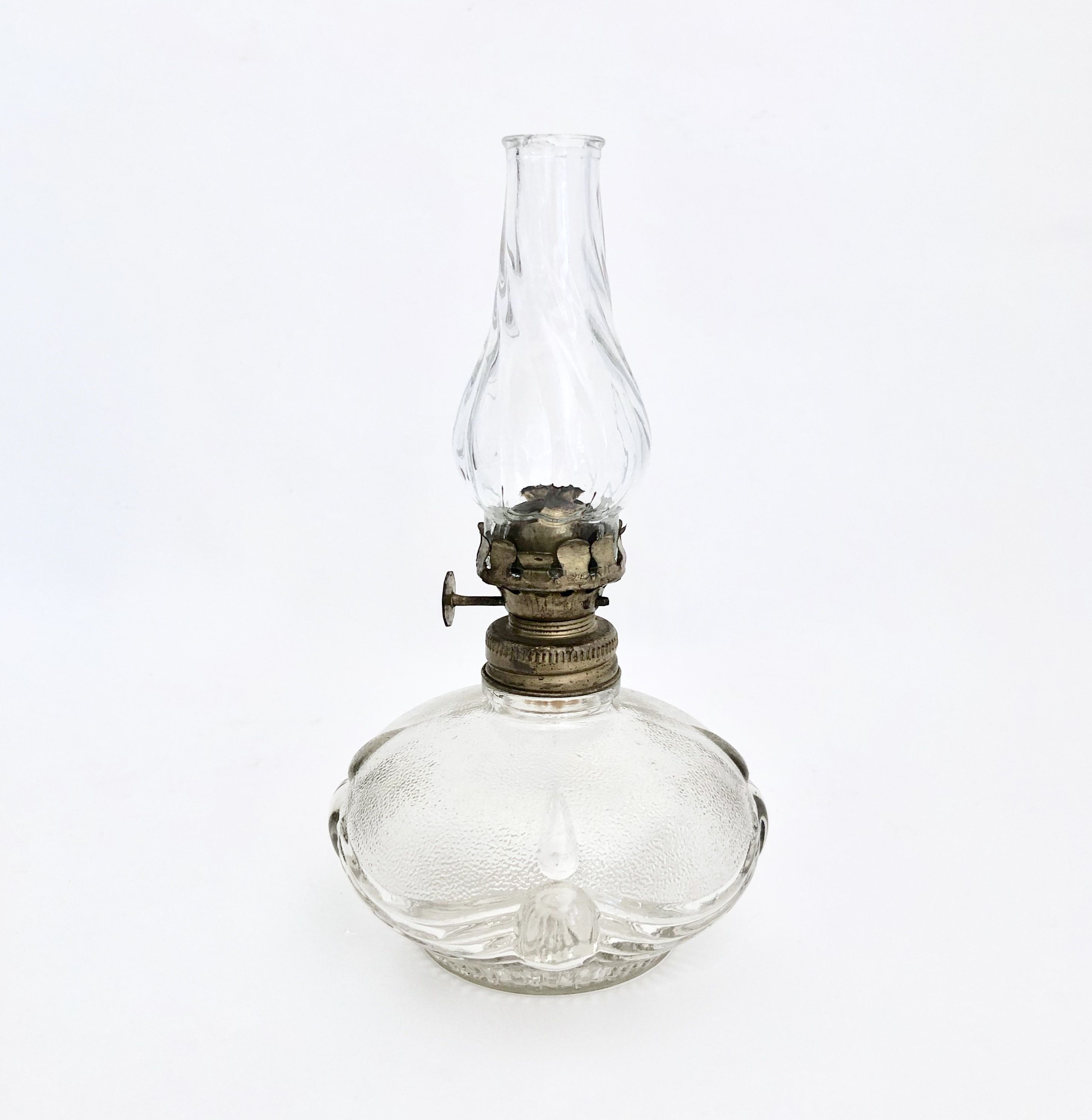 Vintage Oil Lamp 1940s Miniature Oil Lamp Miniature Hurricane Lamp Victorian Decor Collectible Glass Oil Lamp Farmhous Oil Lamps Lamp Designer Drapes