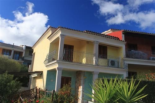 Budoni Sardegna Grazioso appartamento trilocale di testa