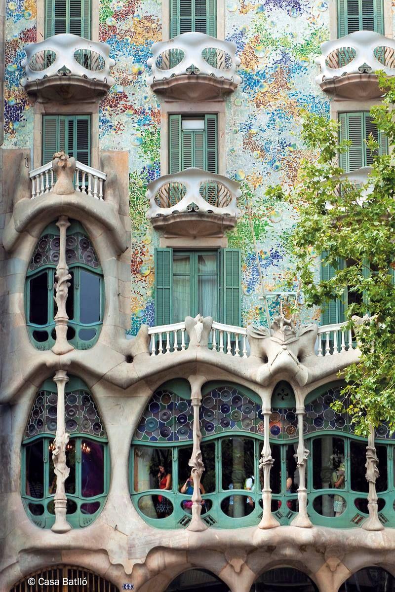 Galería Oficiales Casa Batlló Museo Modernista De Antoni Gaudí En Barcelona Art Nouveau Arquitectura Arquitectura En España Arquitectura