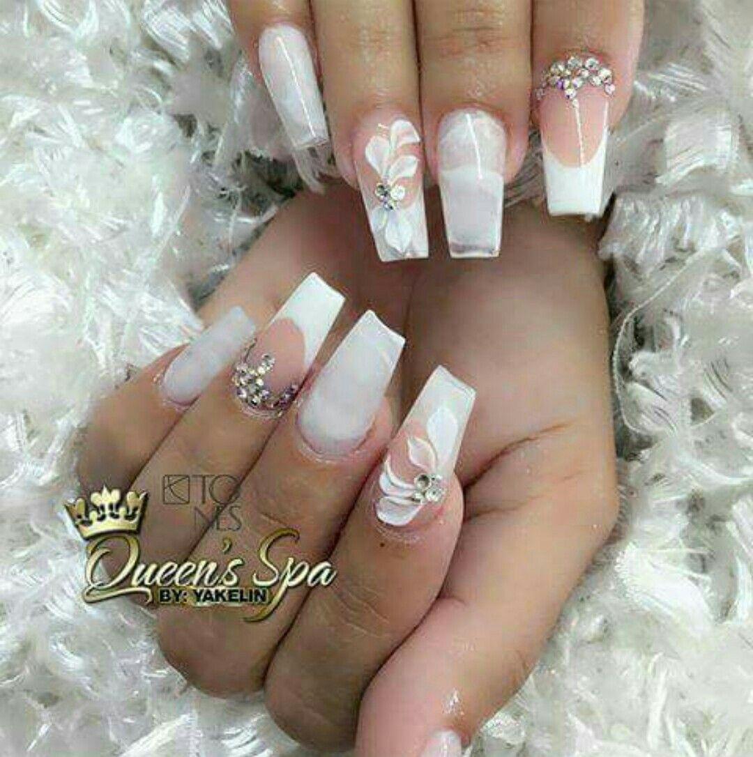 Pin by ana salón de uñas on uñas en tonos blancos pinterest