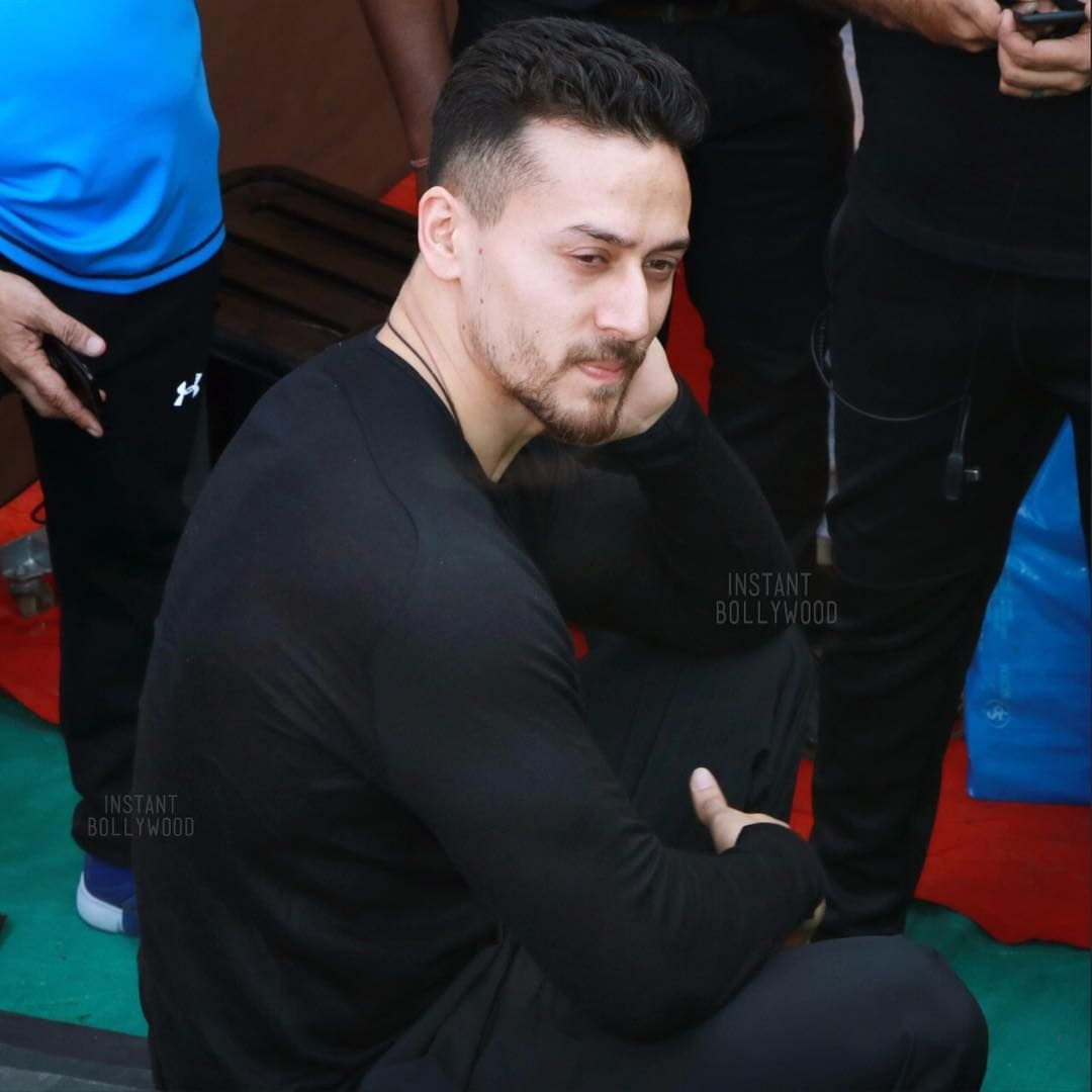 Pin By Candy On Tiger In 2019 Tiger Shroff Tiger