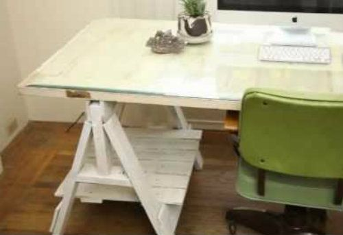 old door a few pieces from a pallet and you have a nice desk with rh pinterest com