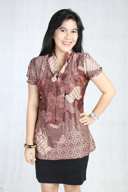 Model Baju Blus Batik Kantor Lengan Pendek  5ecd33d217