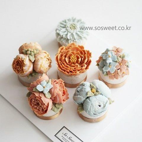 Floral Mini Cakes #LoveIt