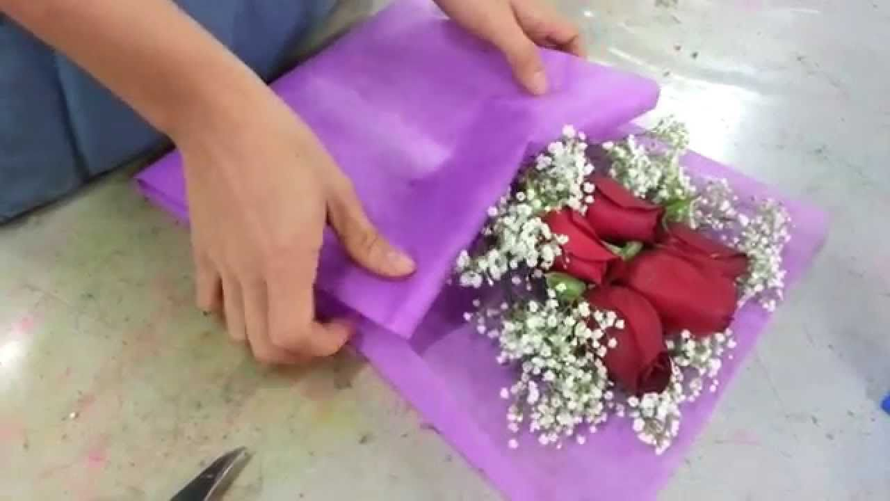 Making Flower Bouquet Small Posy Of 5 Red Roses Handbouquet