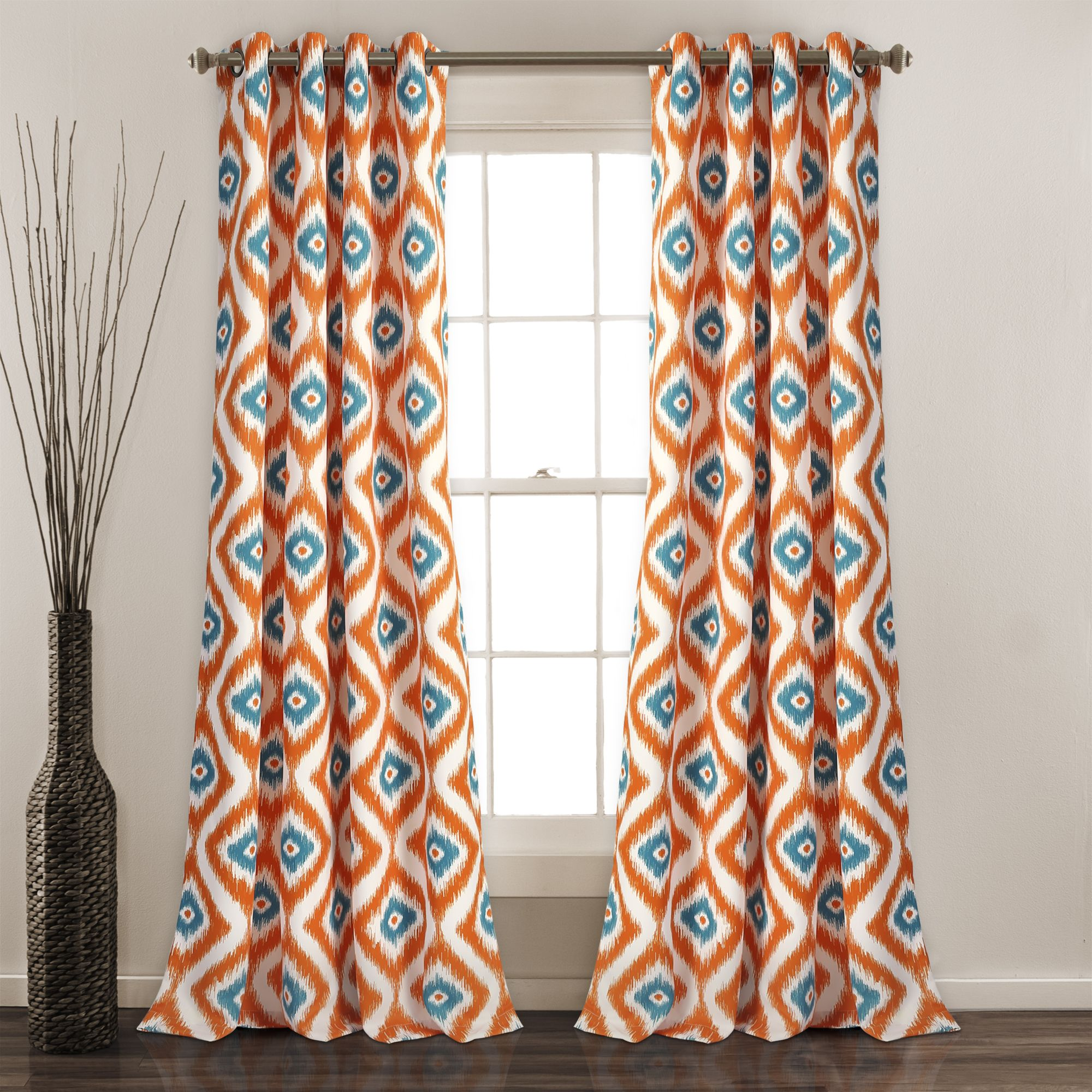 How To Rock The Geometric Decor Trend Without Pattern Overload Orange Curtains Blue Curtains Colorful Curtains
