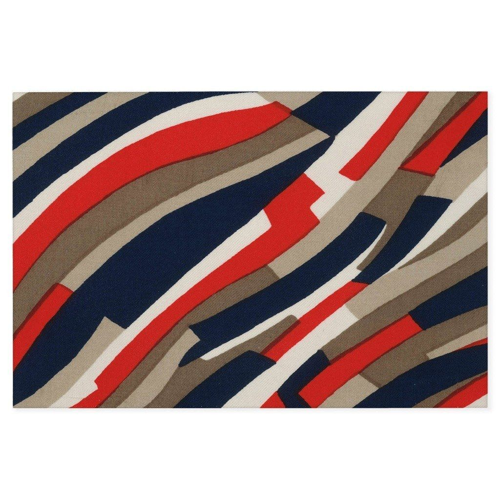 Undulating stripes