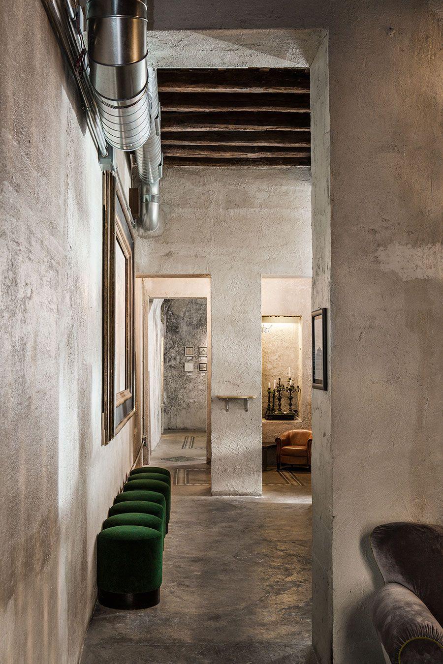 Sacripante art gallery in rome italy by giorgia cerulli for Interior design roma