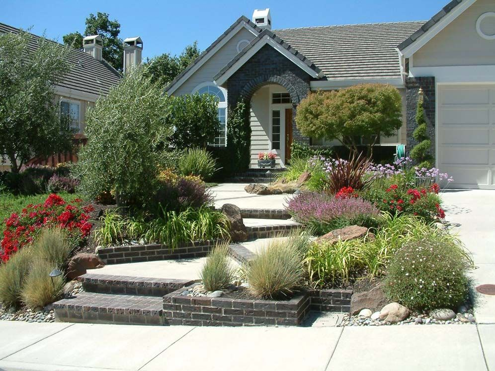 Grey House Steps And Garden Grey Houses Front Yard Landscaping Garden