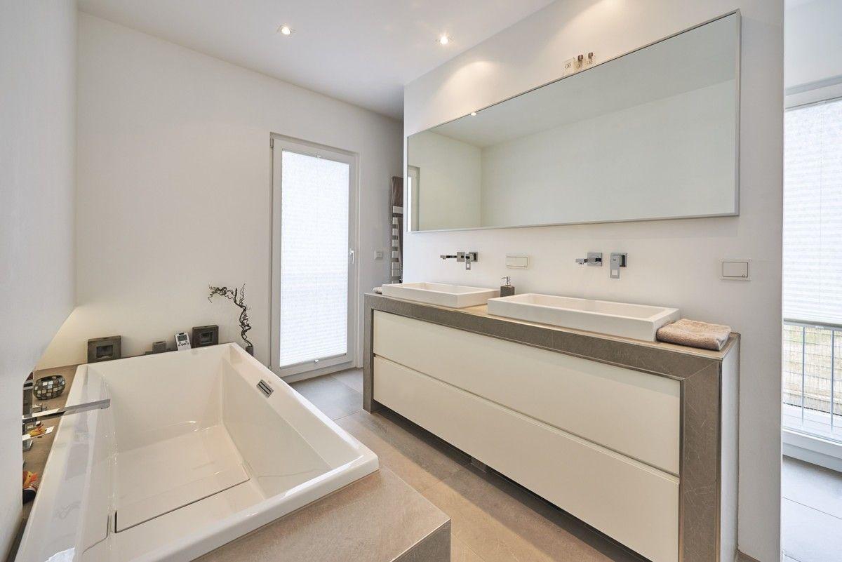 Badezimmer ideen fliesen beige naturstein mit for Badezimmer ideen doppelwaschbecken