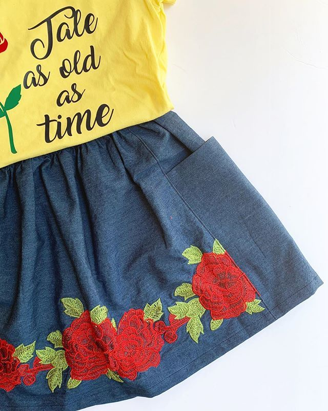 Couldnt believe this find at @joann_stores for a Beauty and the Beast look! The border print worked perfectly for the free gathered skirt pattern from @purlsoho . Cant wait to show you what I managed to do with the  small flower scrap I had left. . . . . . #sewdisney #purlsohoskirt #handmadewithjoann #beautyandthebeasttheme #beautyandthebeastoutfit #disneyoutfit #sewingforgirls #chambrayskirt
