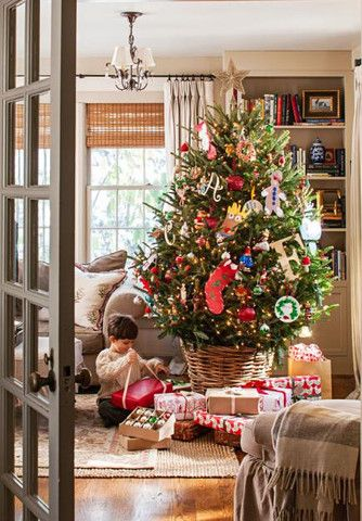 Tessa Foley\u0027s home in Midwest Living Christmas House - Holiday