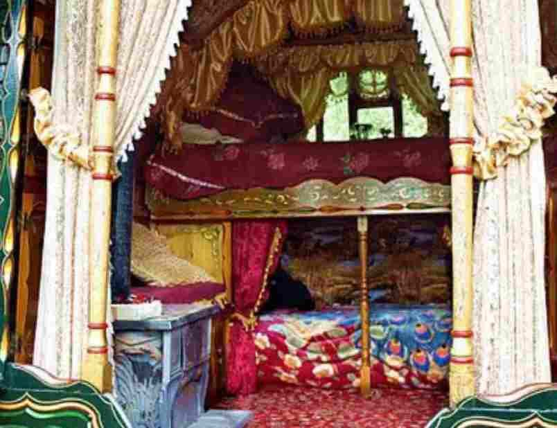 gypsy bedroom vardo interior decoration : gypsy decoration ideas