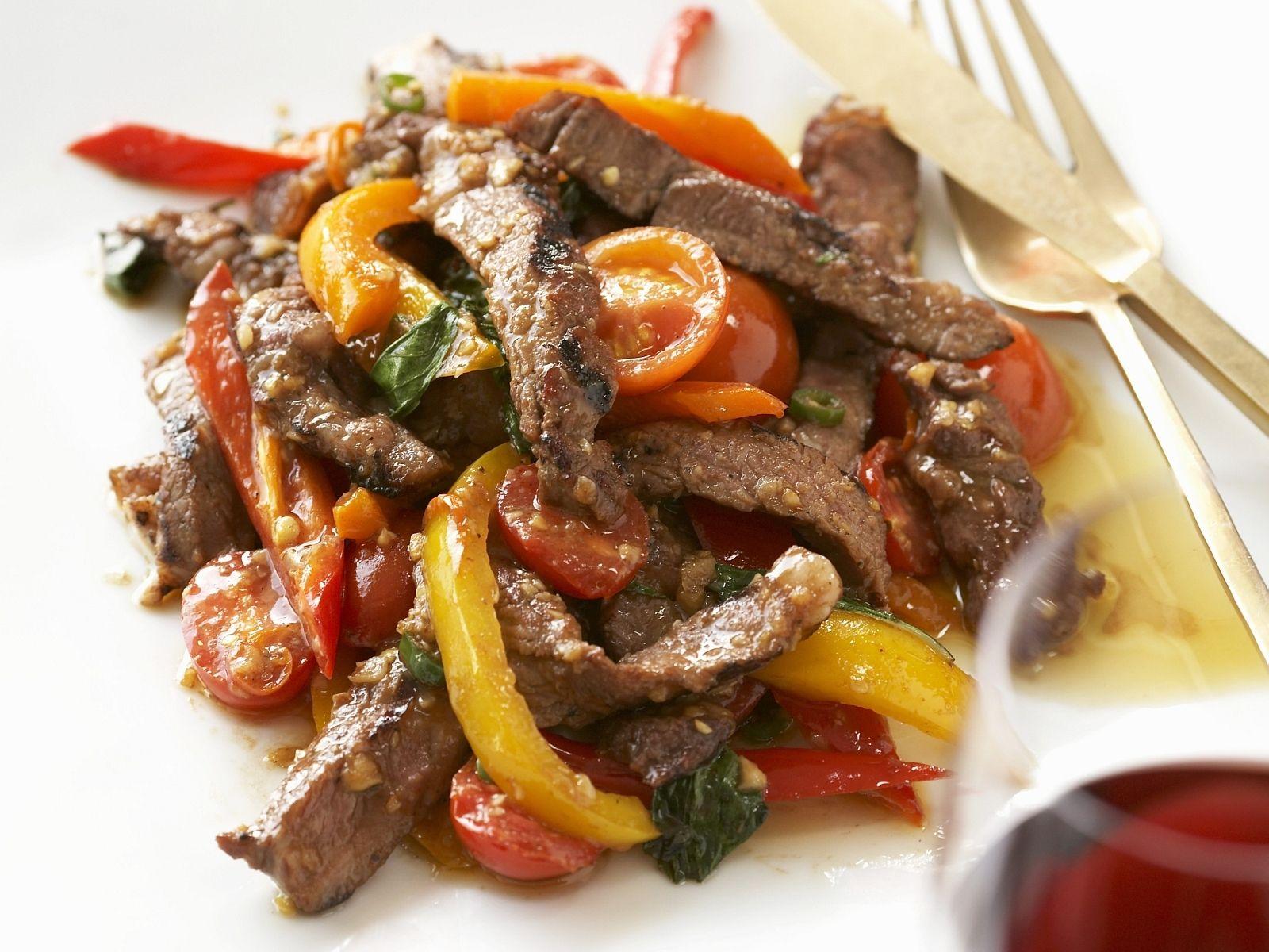Geschnetzeltes vom Rind mit Paprika - smarter - Kalorien: 320 Kcal - Zeit: 30 Min. | eatsmarter.de