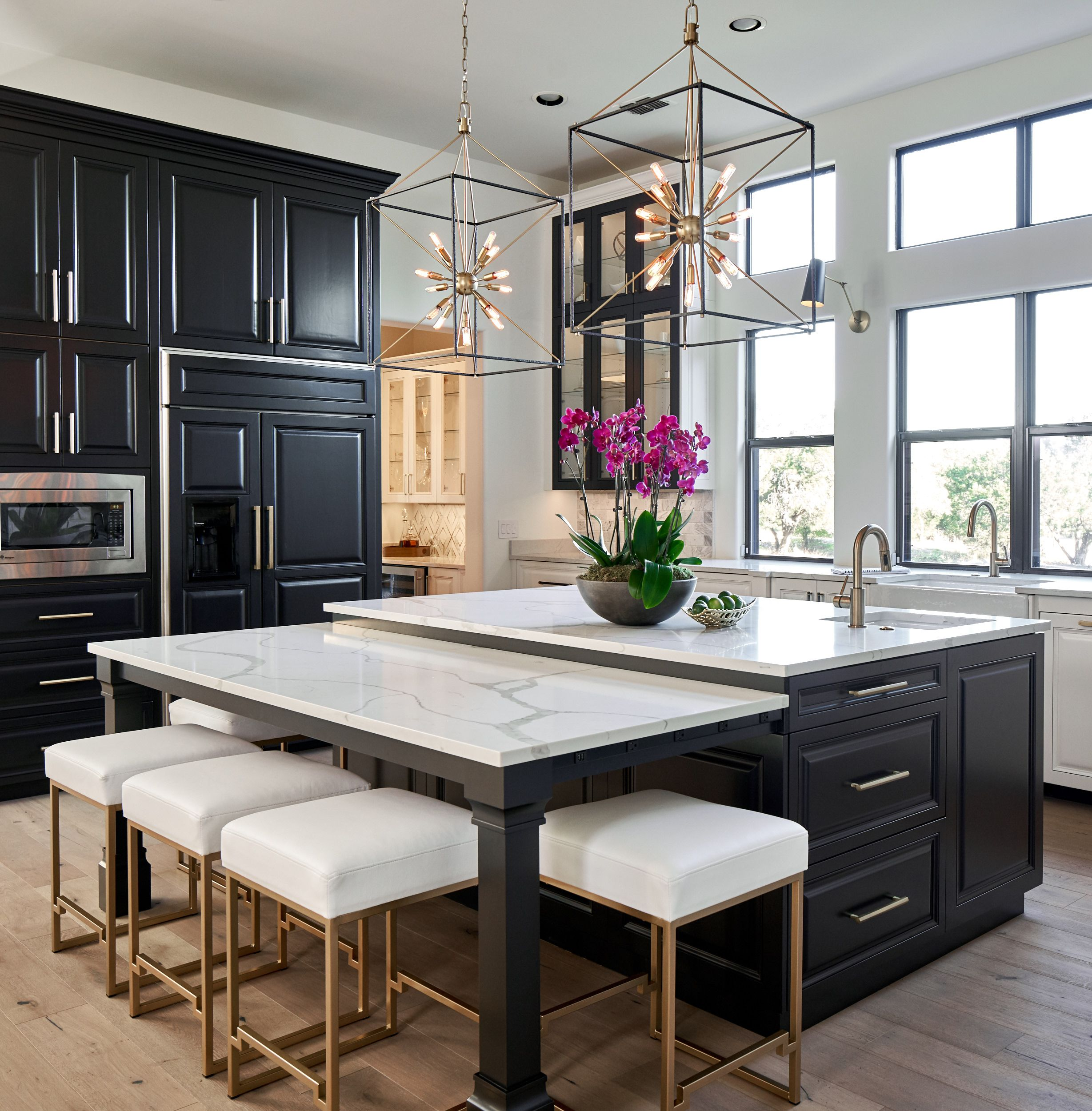 Best Black White And Gold Transitional Kitchen With European 640 x 480