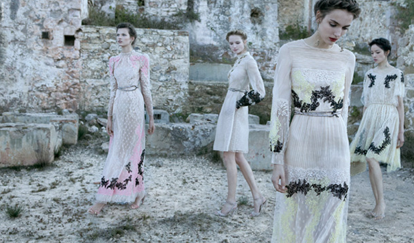 From the blog: http://decadesinc.blogspot.com/  Photo by Deborah Turbeville --An advertisement for Valentino.