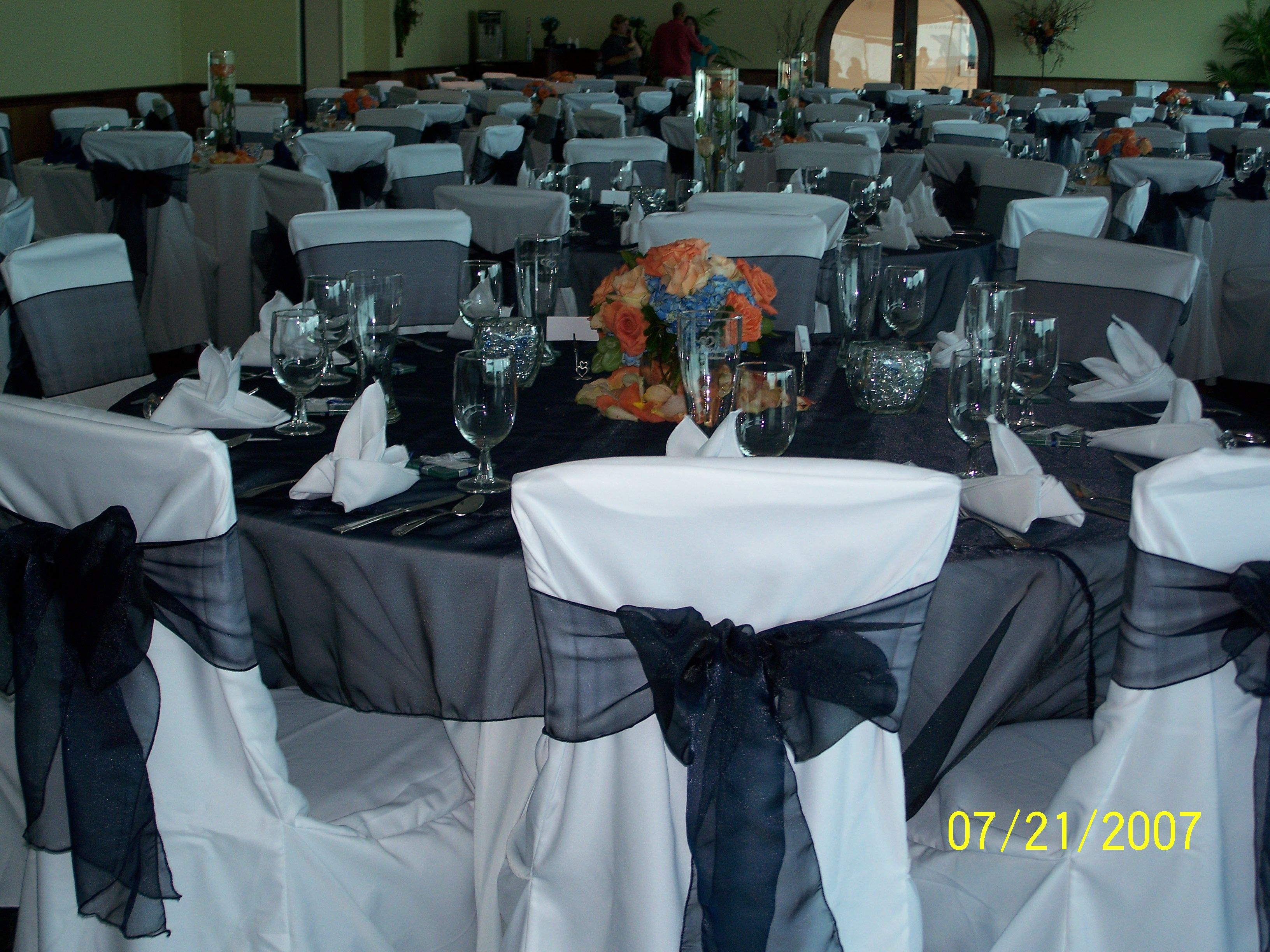 Marvelous Our White Tablecloths And White Chair Covers Our Black Beatyapartments Chair Design Images Beatyapartmentscom