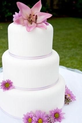Good Simple Wedding Cakes Design Ideas Pictures | Wedding