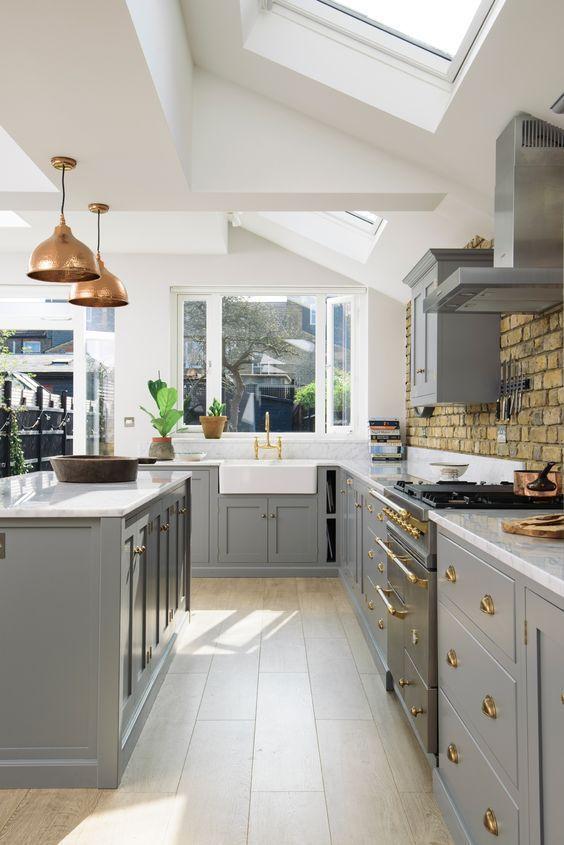 Une cuisine grise à l\'ancienne | Cuisine | Pinterest | Maison, Déco ...