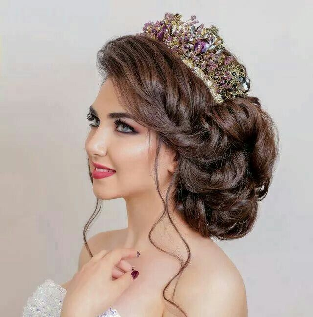 Amazing Bun With Crown Quince Hairstyles Bridal Hair Buns Hair Up Styles