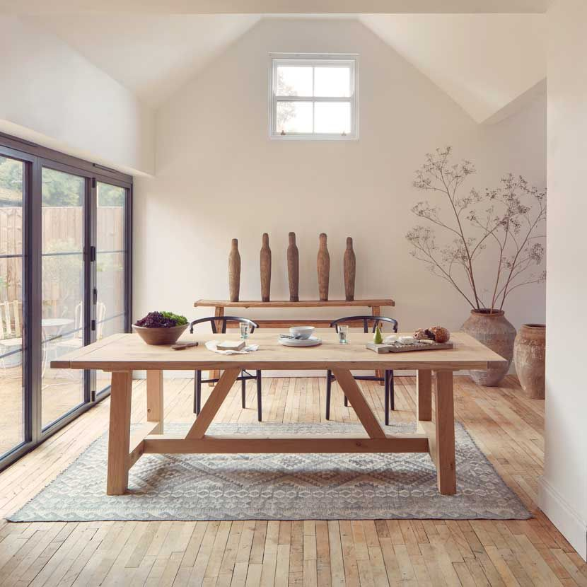 Modern Rustic Oak Dining Table In 2020 Solid Oak Dining Table