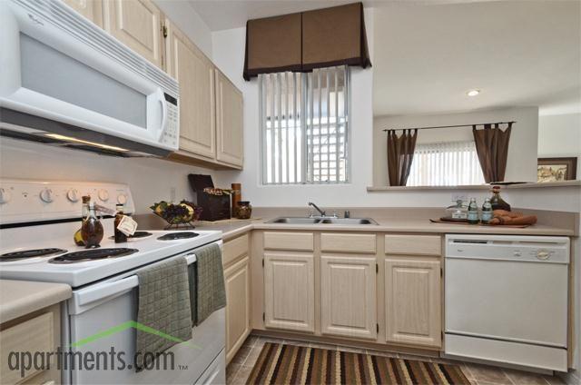 745 925 Summit At Sunridge Apartments I 11000 S Eastern Ave Henderson Nv 89052 Eastern Sunridge Apartment Apartment Hunting Home
