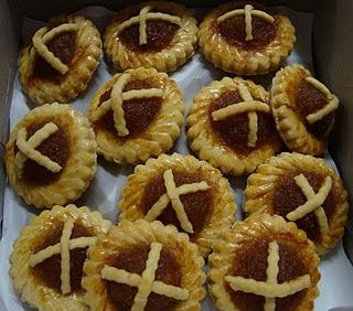 Pineapple jam tarts eurasians make the best tarts httpgoo being eurasian and not having tarts for christmas this is an original jam tart recipe that was handed down from my forumfinder Choice Image