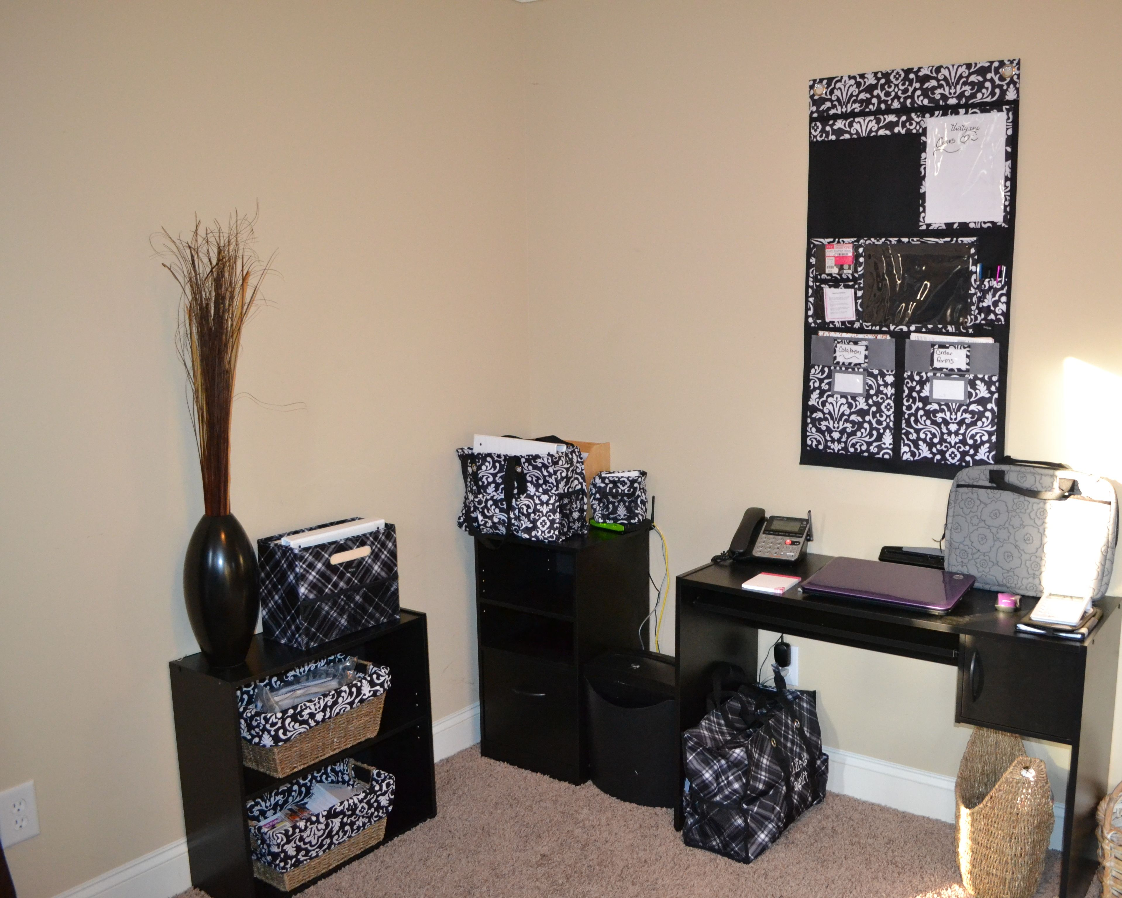 Home office idea using Thirty One Products. www.mythirtyone.com ...