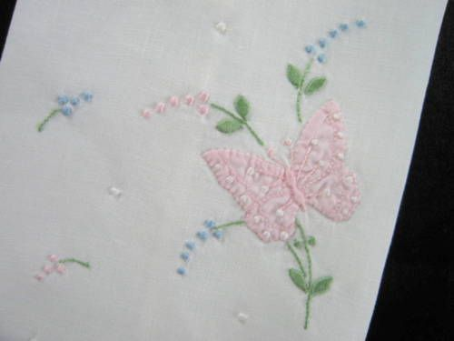 Vintage-Madeira-Linen-Appliqued-Embroidered-Blue-Pink-Butterflies-Hand-Towel
