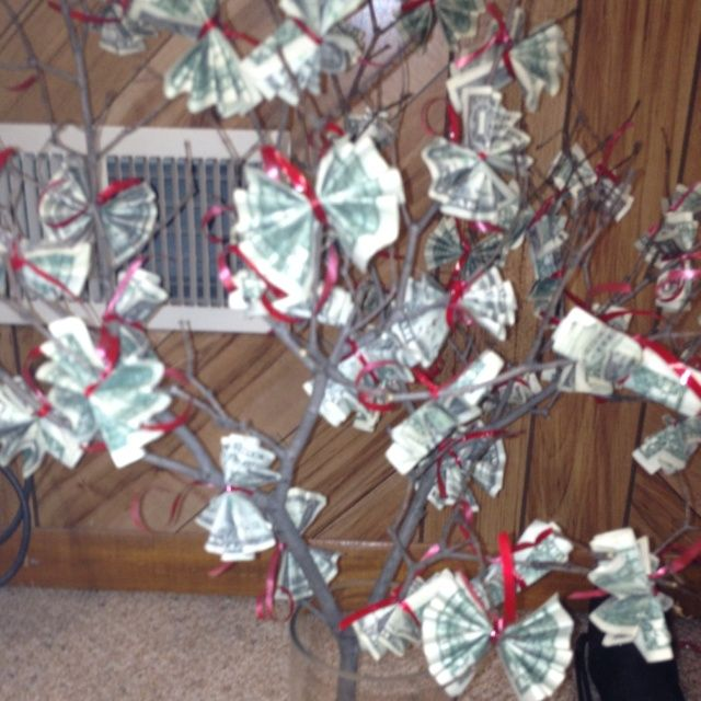 money tree gift ideas | The money tree! Just fold up $1 bills ...