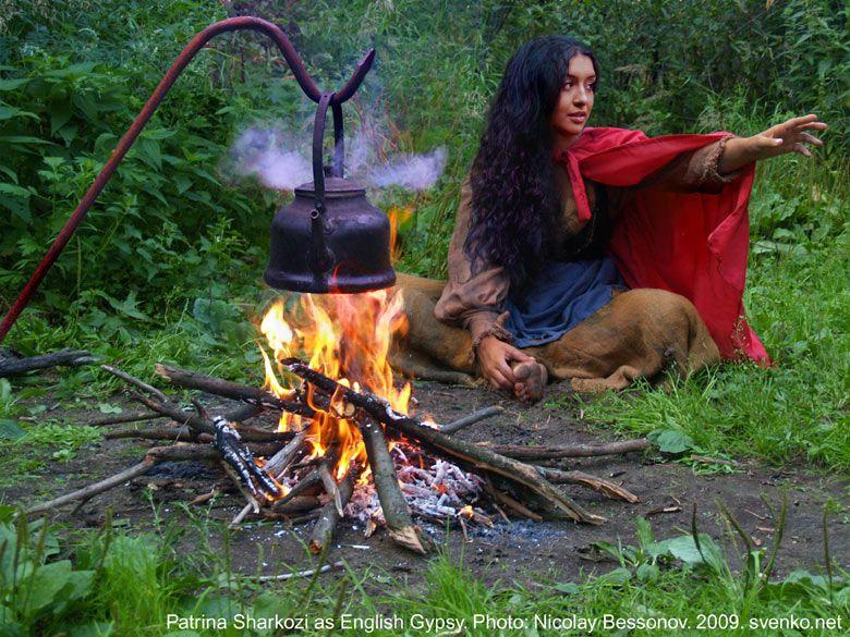 English Gypsy Women Costume Barefoot Girl In A Folk La Bohemienne Aux