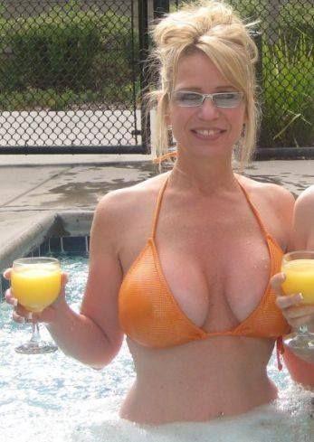 Big sexy saggy tits