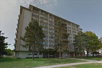 4866 Bathurst Street Apartments For Rent In Toronto On Http Www Rentseeker Ca Managed By Sterl Apartments For Rent Next At Home