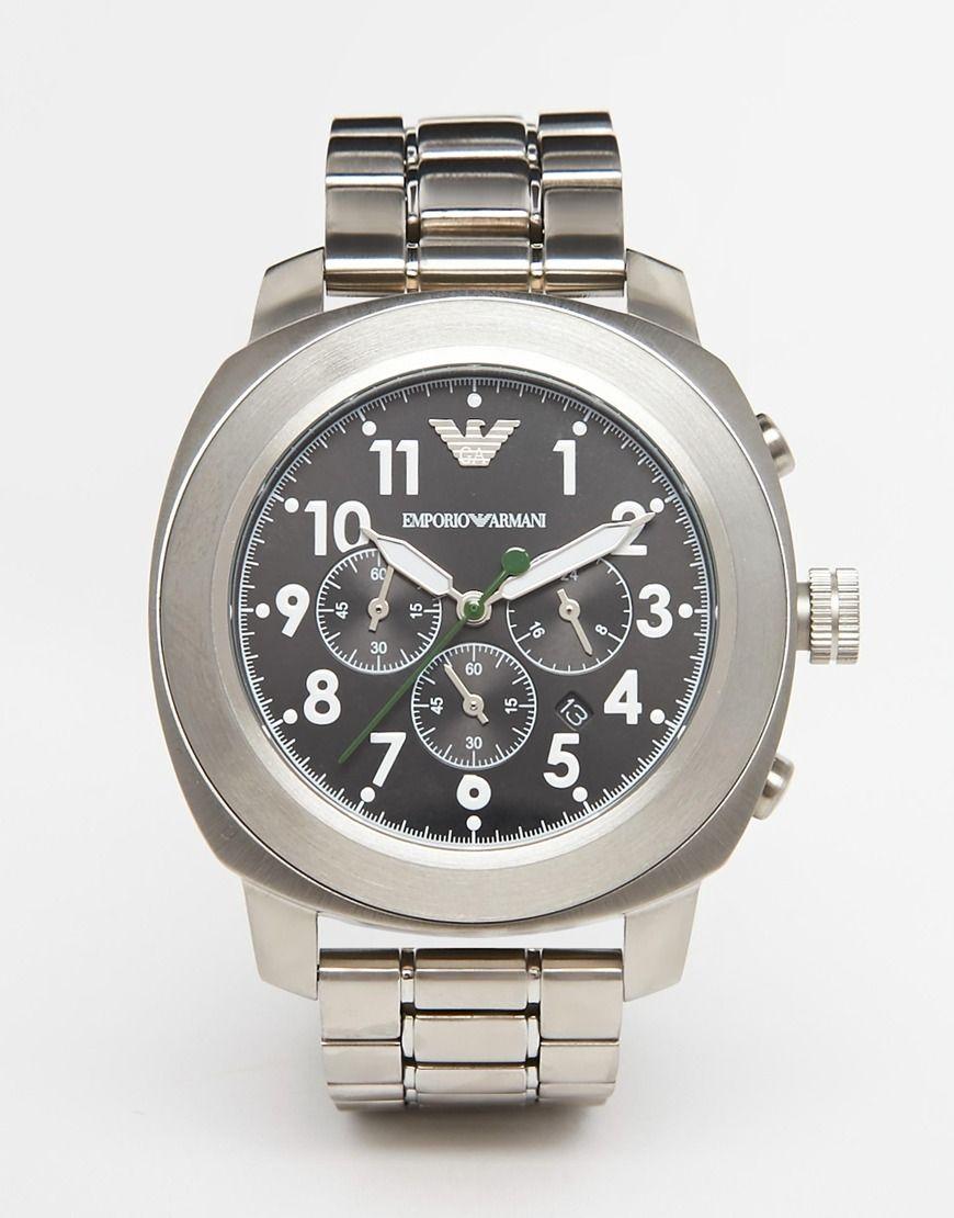 Armbanduhr von Emporio Armani Armband aus Edelstahl Edelstahlgehäuse drei Zeiger Chronographendesign mit Unteranzeigen Datumsanzeige Verschiedene Stundenmarkierungen Faltschließe 10 atm wasserdicht bis 100 Meter (330 Fuß)