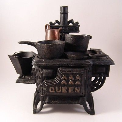 Small Black Kettle Kitchen cooking accessory Dolls House Miniatures