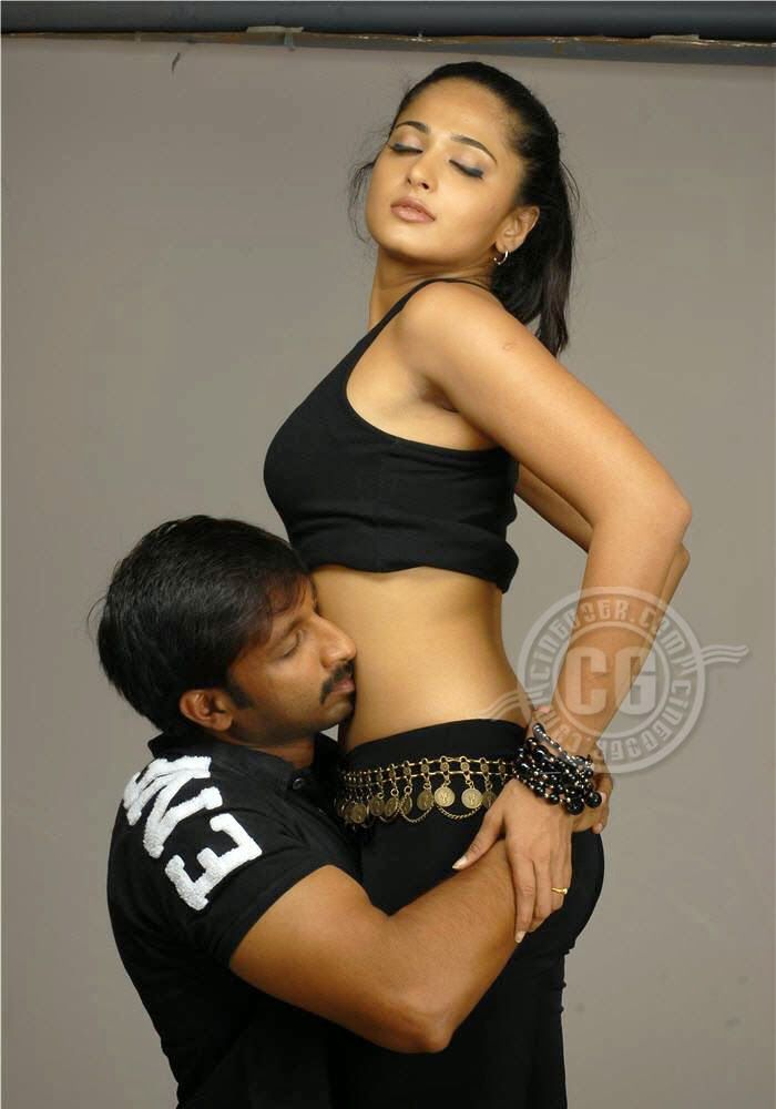 Oh  Anushka Shetty Anushka Shetty Ever Hot And Sexy Hug -8464
