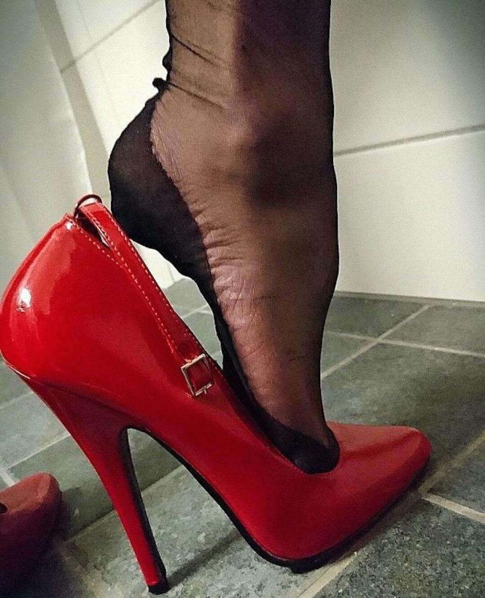 Ada stockings high heel tease - 2 9